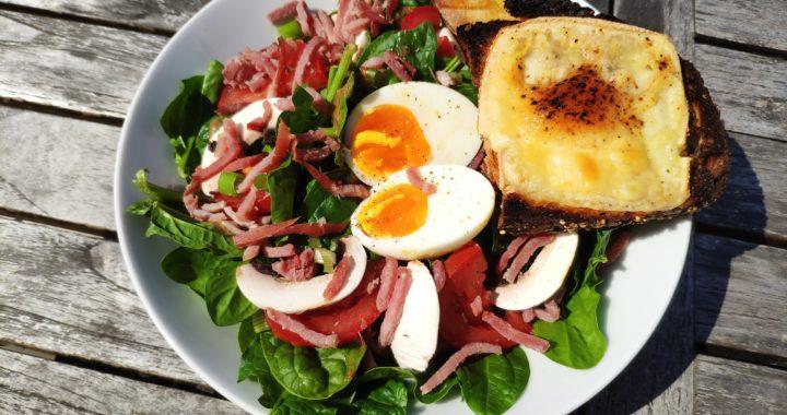 Salade de pousses d'épinards au bacon